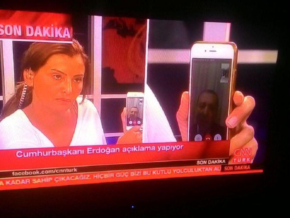 اردوغان درحال گفتوگو با شبکه سیانانترک ازطریق فیستایم