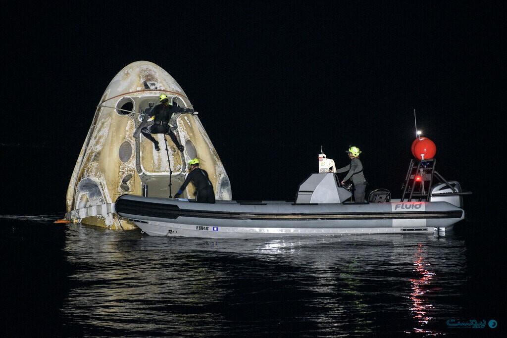 اسپیسایکس ۴ فضانورد را در تاریکی به زمین بازگرداند