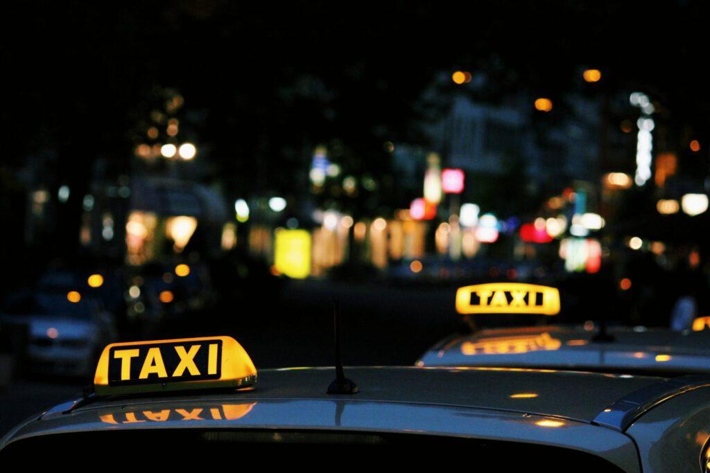 مصوبه دریافت عوارض از تاکسیهای اینترنتی قابل ابطال است