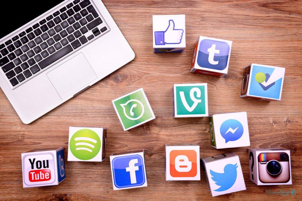 شبکههای اجتماعی و دنیای مجازی